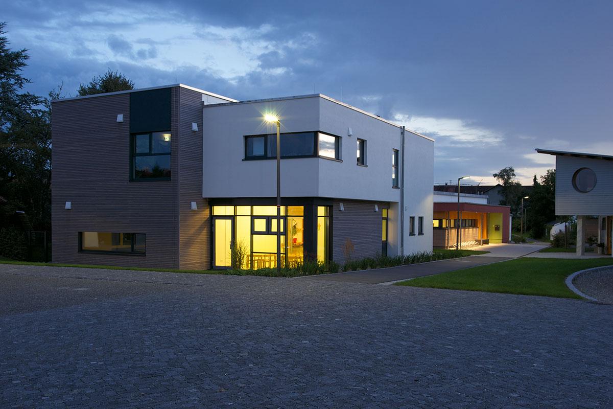Kindergarten St. Raphael, Horgenzell bei Nacht