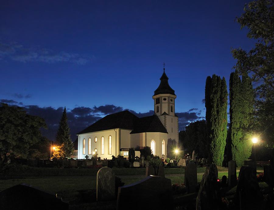 Pfarrkirche St. Gallus und Nikolaus Grünkraut bei Nacht