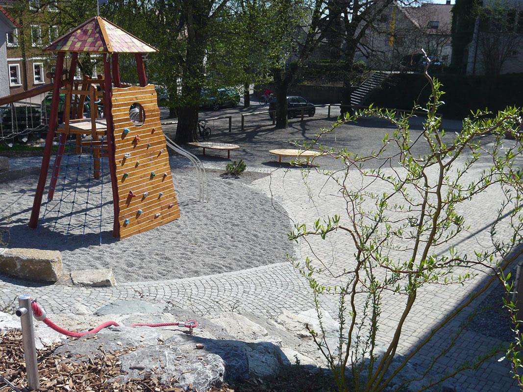 Pausenhof Lindenschule Bodnegg, Klettergerüst